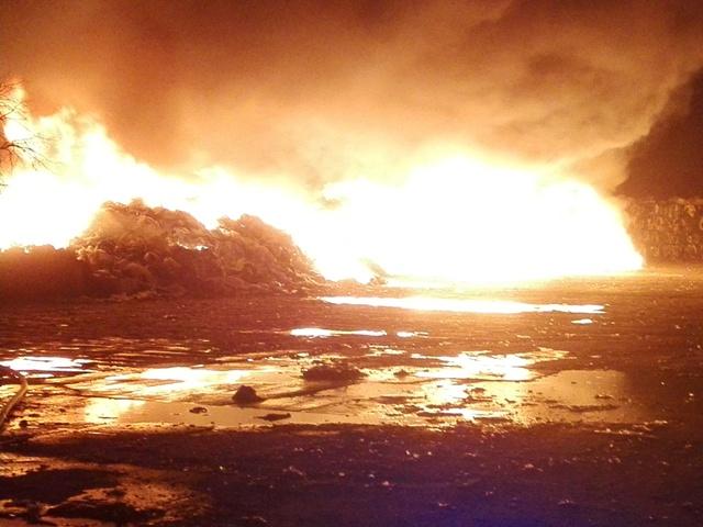 Ilustracja do informacji: Kolejny pożar w zakładzie przetwórstwa odpadów Wexpool