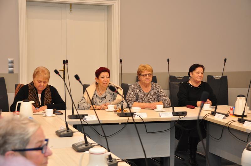Ilustracja do informacji: Spotkanie z emerytowanymi nauczycielami ze Związku Nauczycielstwa Polskiego.