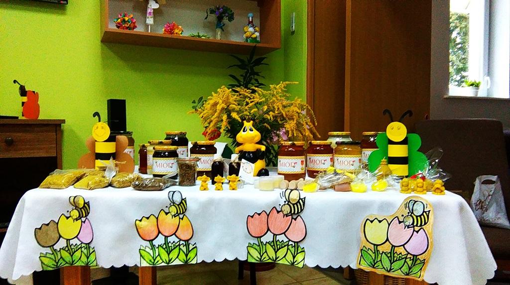 Ilustracja do informacji: Wizyta pszczelarki