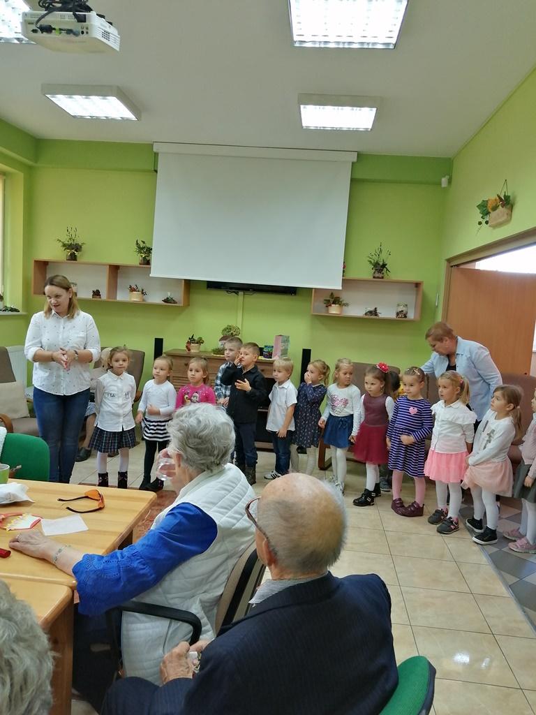 Ilustracja do informacji: Wizyta przedszkolaków