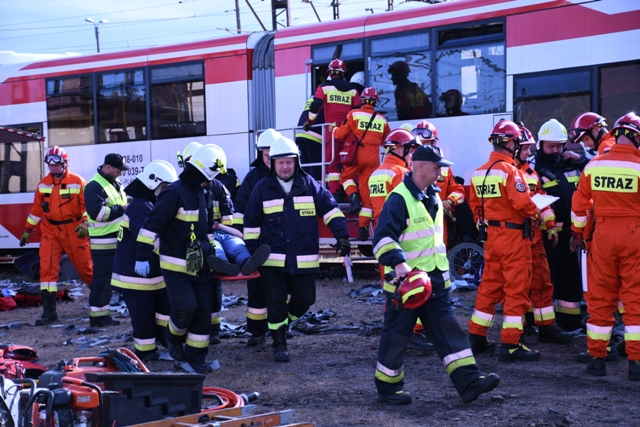 Ilustracja do informacji: Ćwiczenia Strażackie – katastrofa kolejowa w Zbąszynku