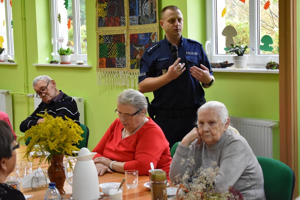 Ilustracja do informacji: Wizyta Policjanta w placówce