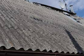 Ilustracja do informacji: Usuwanie azbestu z terenu Gminy Zbąszynek w 2019 r.