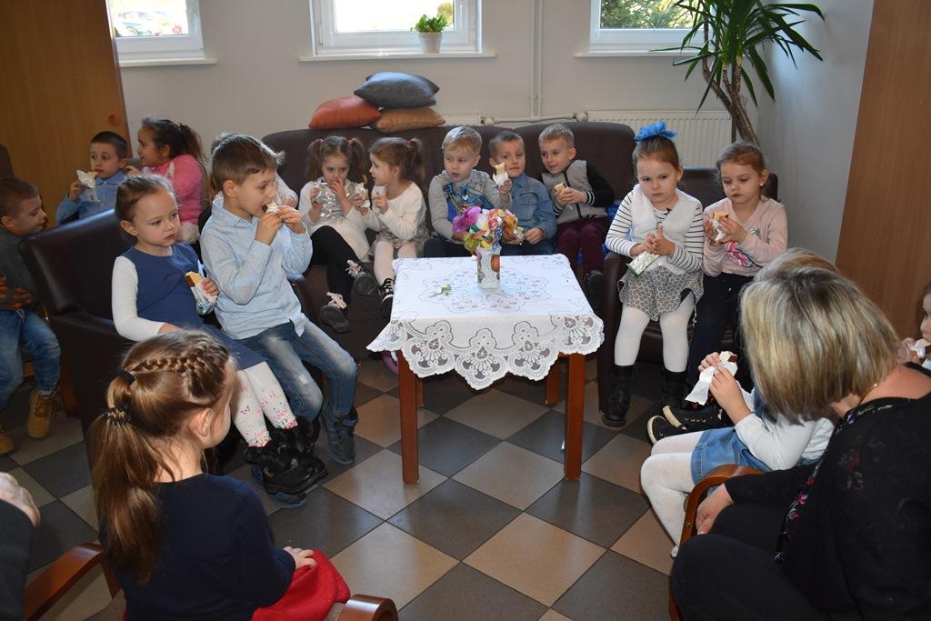 Ilustracja do informacji: Przedszkolaki dla Seniorów z okazji Dnia Babci i Dziadka