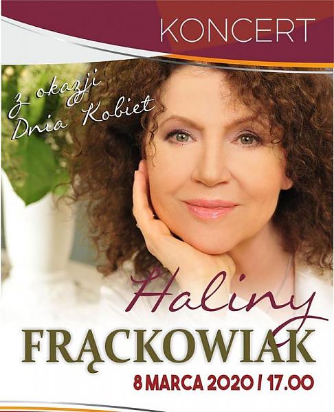 Ilustracja do informacji: Seniorzy na koncercie Haliny Frąckowiak w Świebodzińskim Domu Kultury
