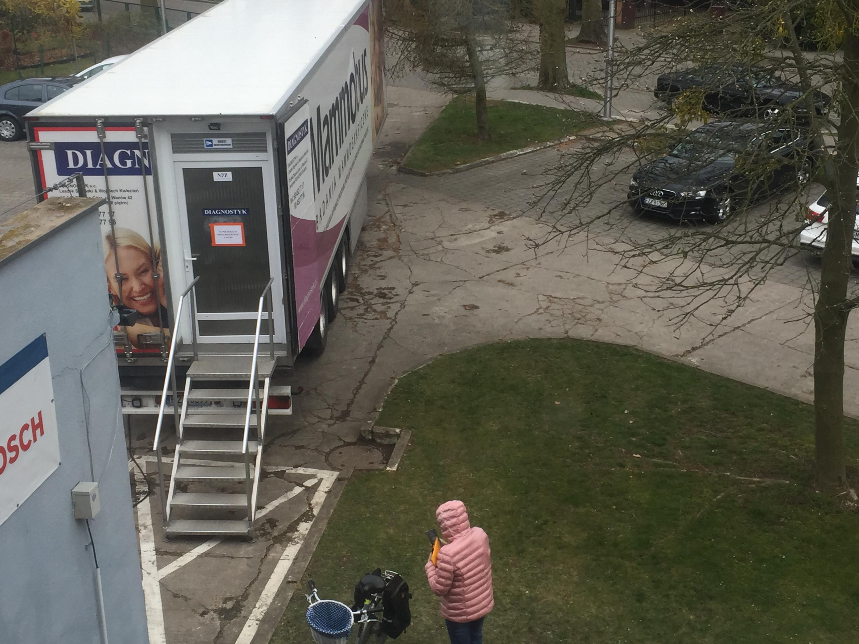 Ilustracja do informacji: Mammografia w kwietniu