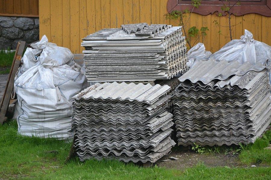 Ilustracja do informacji: Ogłoszenie o naborze wniosków o dofinansowanie zadań z zakresu usuwania, odbioru, transportu i unieszkodliwiania wyrobów zawierających azbest z terenu Gminy Zbąszynek w 2017 r.