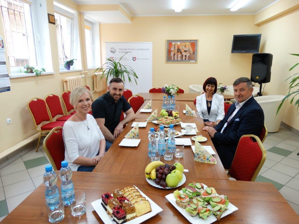 Ilustracja do informacji: Wizyta studyjna kierownictwa z Gminnego Ośrodka Pomocy Społecznej w Michałowicach pod Krakowem